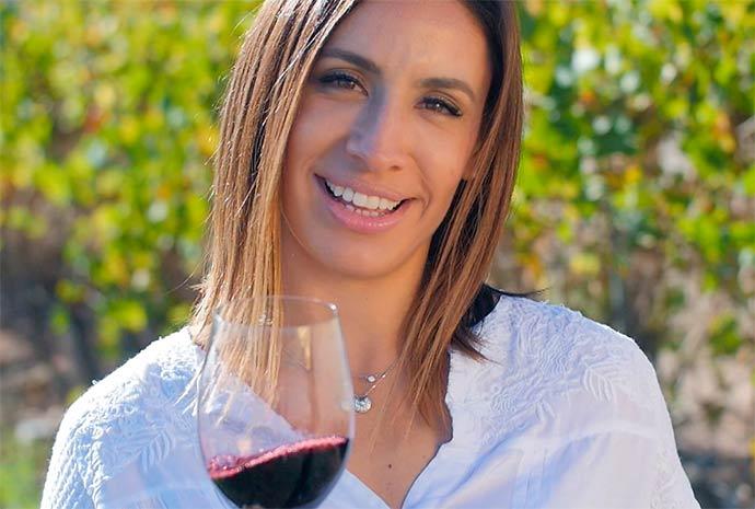 cecilia aldaz - Cecilia Aldaz leva a segunda temporada de 'Um Brinde Ao Vinho' para Portugal