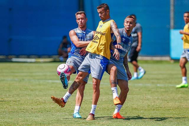 gremio8 - Grêmio finalizou ontem preparação para Gre-Nal desta tarde
