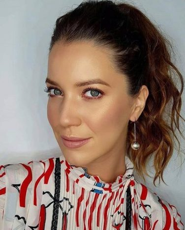 nathalia dill web  376x468 - Atrizes da novela Orgulho e Paixão usam Tiffany & Co.
