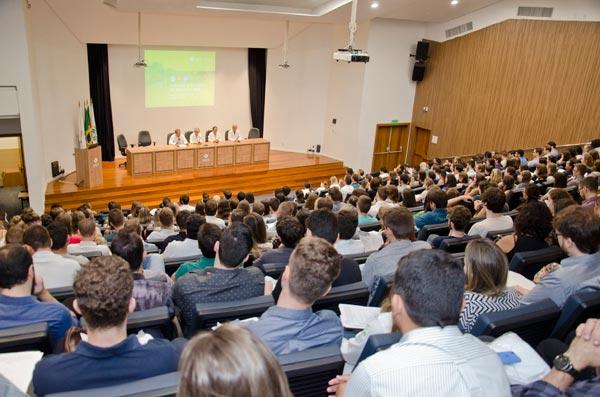 residentes medicos - Novos residentes são recepcionados no Hospital de Clínicas de Porto Alegre