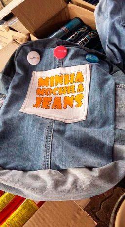 Ação Santa Cruz do Sul Minha Mochila Jeans1 257x468 - Ação transforma calças jeans em mochilas para escolas municipais de Santa Cruz do Sul