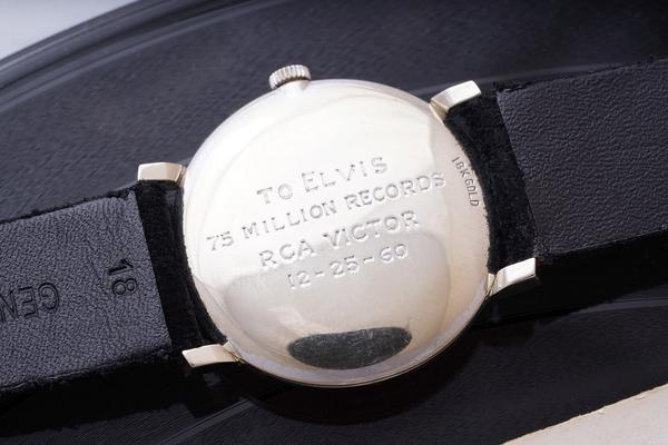 337702 791768 elvisback web  - OMEGA de Elvis Presley vendido por 1.500.000 francos suíços em leilão