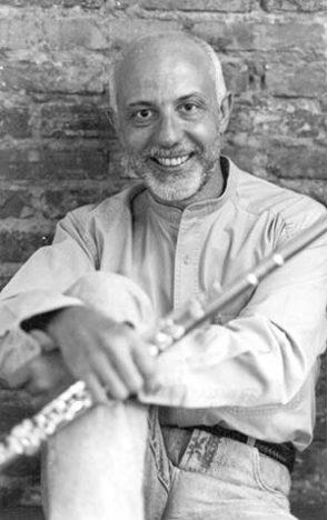 Ayres Pottoff  294x468 - Tempos da Música tem como atração o flautista Ayres Potthoff