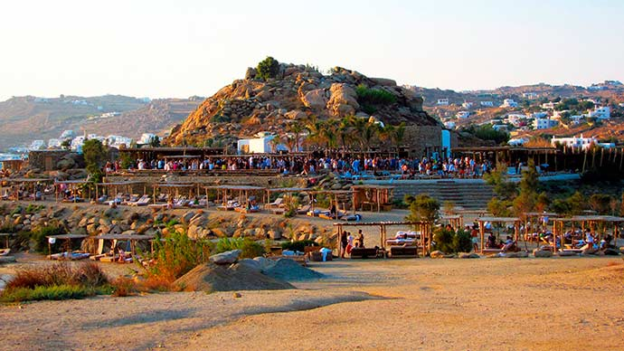 Beach Club Scorpio - Verão europeu: dicas para curtir o melhor de Mykonos