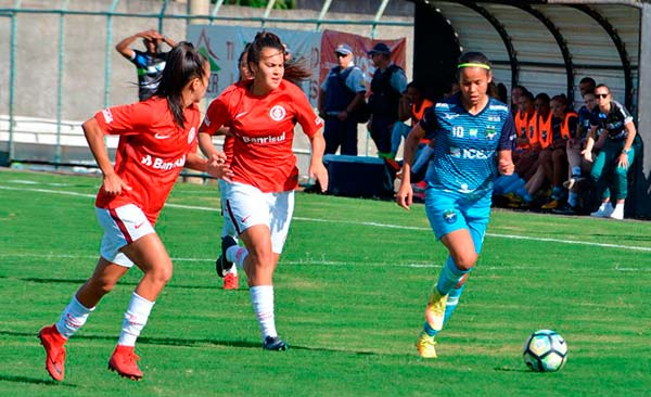 Equipe feminina venceu mais uma por 2 a 0 em Brasília 3 - Invictas em 2018 Gurias Coloradas lideram Brasileirão A2