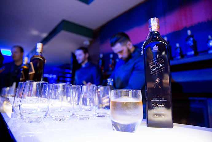 JOHNNIE WALKER BLUE LABEL GHOST AND RARE 1221 - Johnnie Walker Blue Label Ghost and Rare  Edição Especial