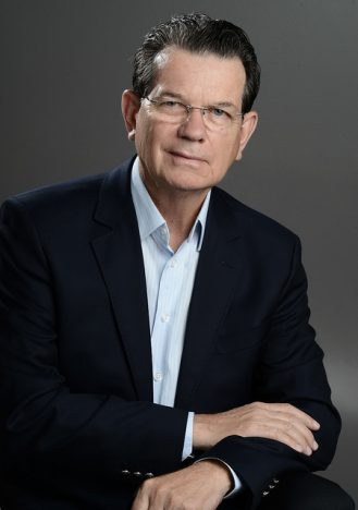 Luiz Carlos Bohn é reeleito para segundo mandato na presidência da Fecomércio RS 329x468 - Luiz Carlos Bohn é reeleito para segundo mandato na presidência da Fecomércio-RS
