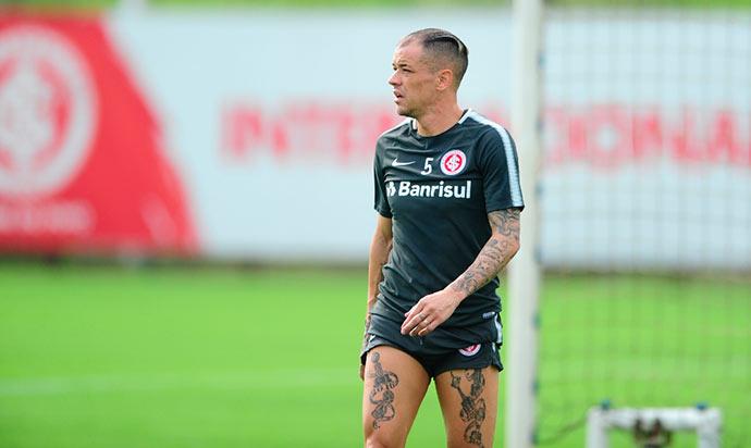 dale - Odair Hellmann esboça time para duelo com o Flamengo