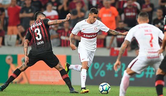 Inter empata com o Atlético PR na Arena da Baixada 1 - Inter empata com o Atlético-PR fora de casa