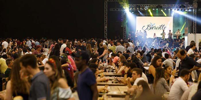 Bierville1 700x350 - Festa da cerveja de Joinville terá desfile, rótulos artesanais e estacionamento gratuito