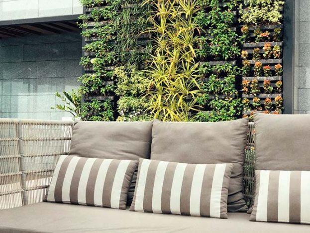 jardim vertical 623x468 - Dicas para tornar sua varanda aconchegante