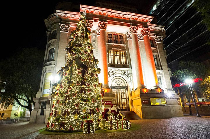 Photo of Santander Cultural inaugura Árvore do Papai Noel em Porto Alegre