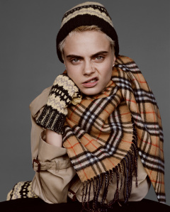 Cara Delevingne captured for Burberry by Alasdair McLellan c Courtesy of Burberry   Alasdair McLellan 001 - Cara Delevingne e Matt Smith em nova campanha da Burberry