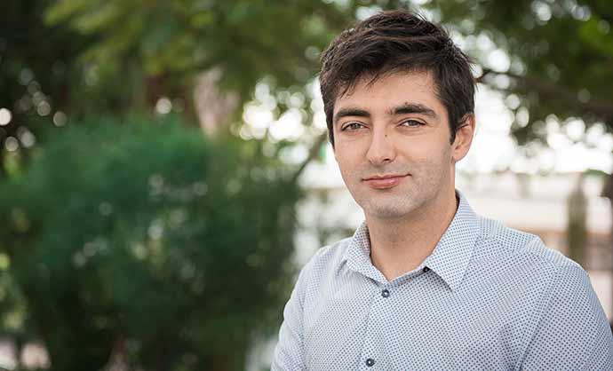 Angelo Brandelli Costa - Professor de Psicologia da PUCRS recebe distinção mundial
