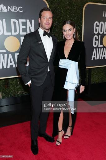 Armie Hammer e Elizabeth Chambers - Globo de Ouro:  Celebridades brilham com sapatos Christian Louboutin