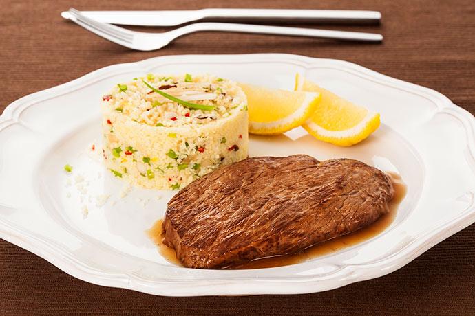 Bife de filé mignon - Receita - Bife de filé mignon com cuscuz marroquino ao limão-siciliano