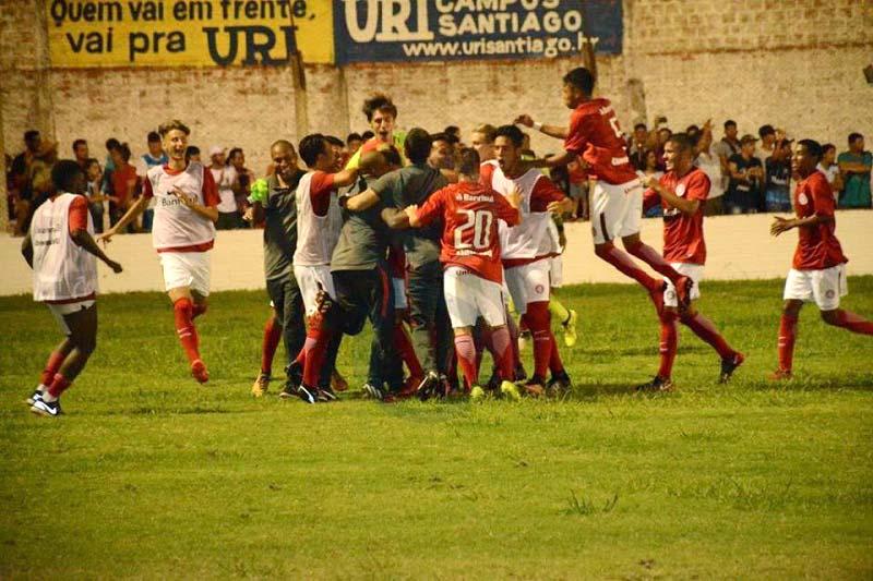 Photo of Inter Sub-17 goleia Tubarão e a vai às semifinais da Copa Santiago