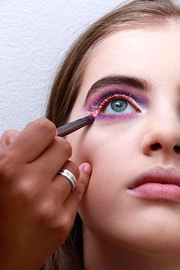 Foto 13 - Passo a passo maquiagem de unicórnio para o Carnaval