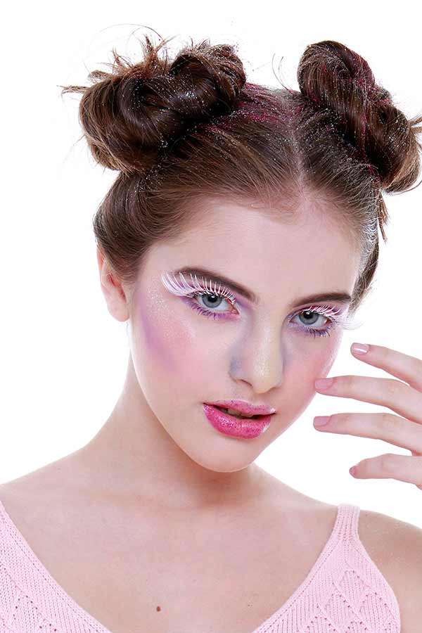 Foto 18 - Passo a passo maquiagem de unicórnio para o Carnaval