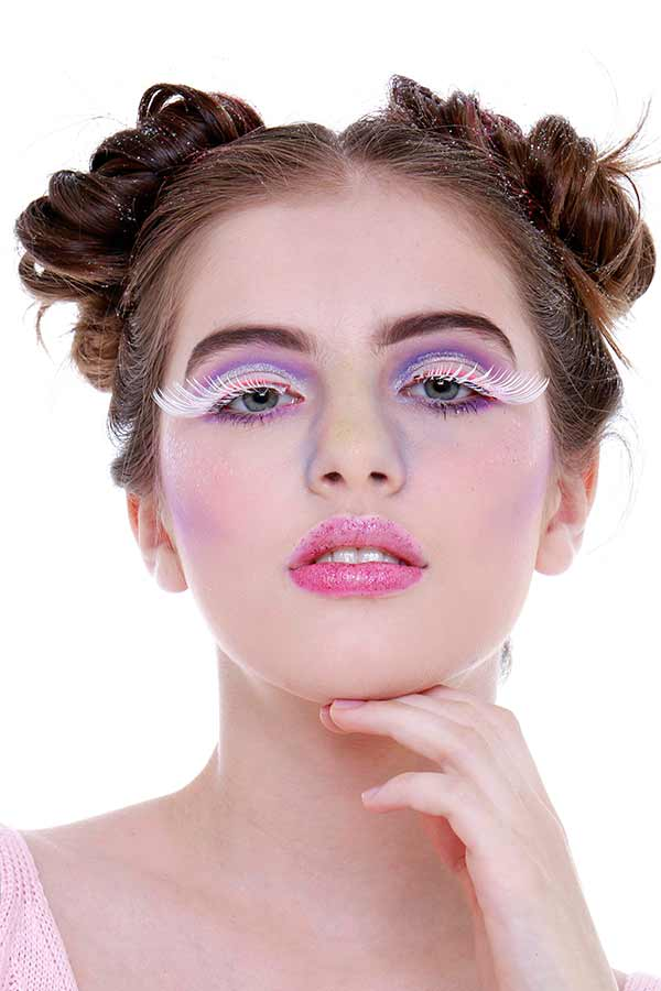 Foto 19 - Passo a passo maquiagem de unicórnio para o Carnaval