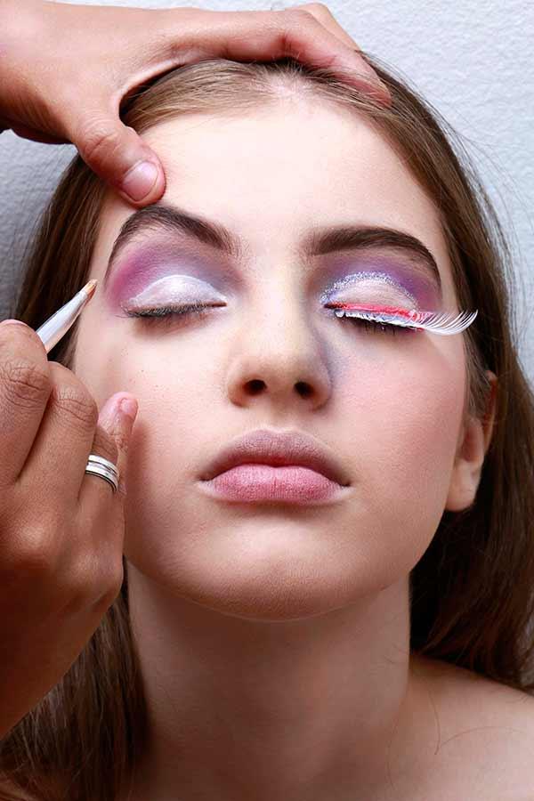 Foto 5 - Passo a passo maquiagem de unicórnio para o Carnaval