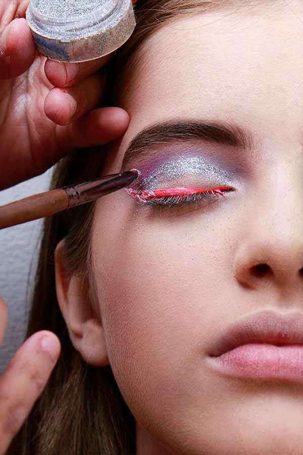 Foto 8 - Passo a passo maquiagem de unicórnio para o Carnaval