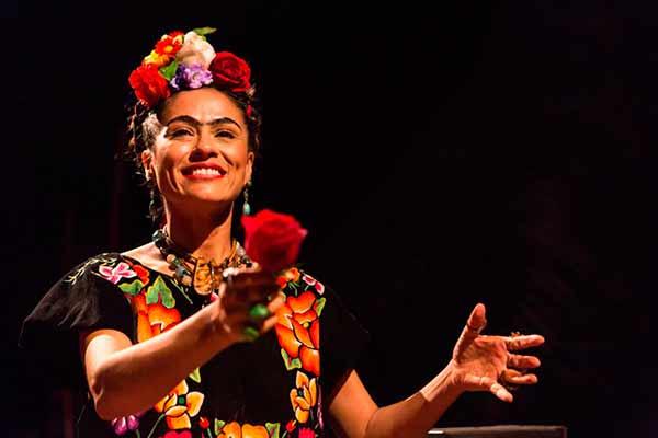 Frida Kahlo 2 Adriana Marchiori - Frida Kahlo, à Revolução! hoje no Theatro São Pedro