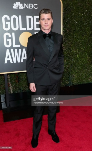 Garrett Hedlund - James Franco e Garrett Hedlund vestem Salvatore Ferragamo no Globo de Ouro 2018