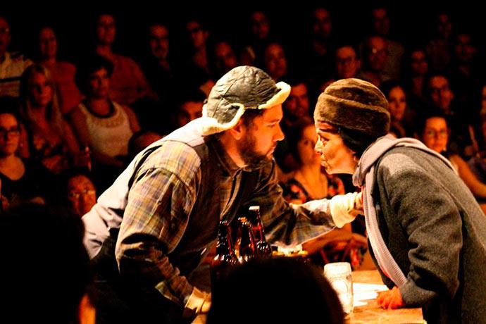 Photo of Teatro: Goela abaixo ou por que tu não bebes?