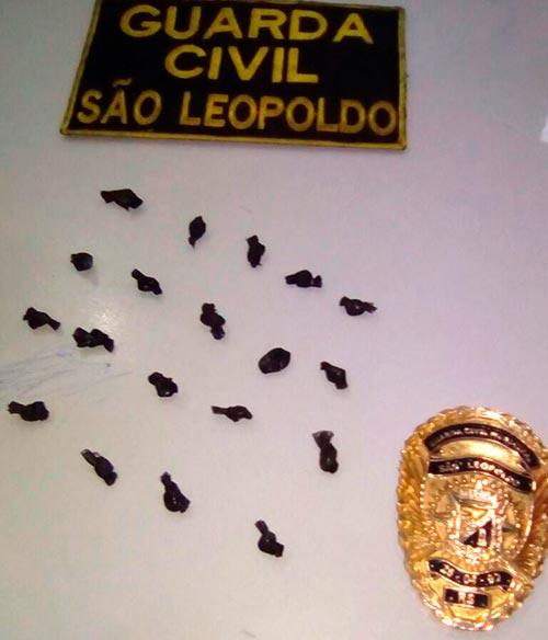 Guarda Civil Municipal de São Leopoldo - Guarda Municipal prende por tráfico no Centro de SL
