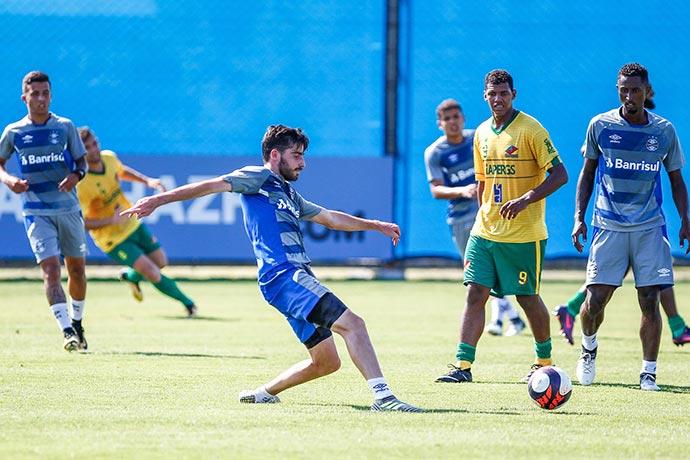 Jogo Grêmio e Sindicato dos Atletas - Elencodo Grêmio que trabalha desde o dia 18/12 venceu jogo-treino por 4 a 0