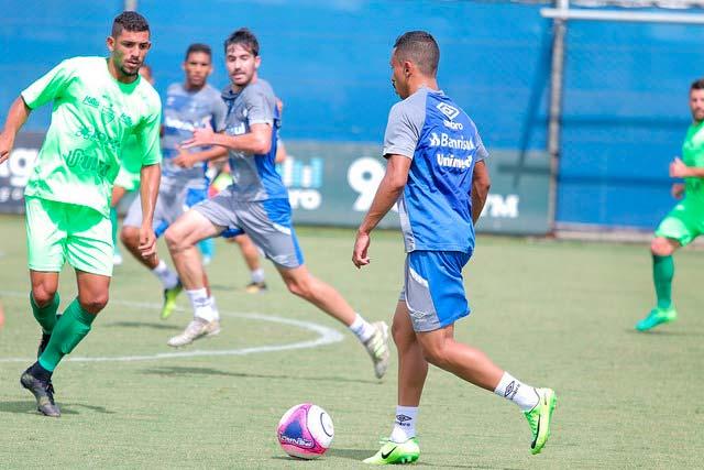 Jogo treino Grêmio e Avenida - GRÊMIO EMPATA COM O AVENIDA EM JOGO-TREINO