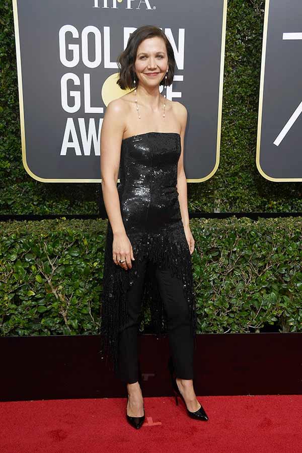 Maggie Gyllenhaal - Pétalas apresenta os tecidos que cruzaram do Globo de Ouro