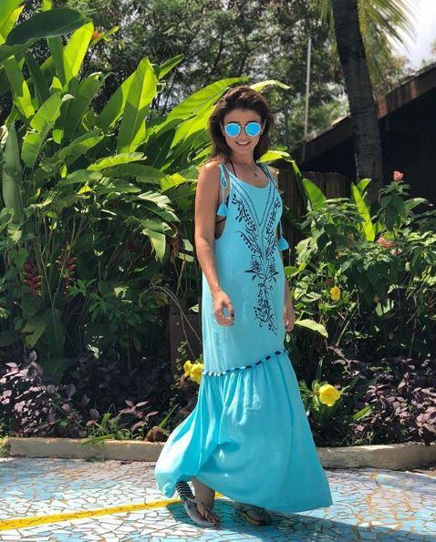 Paula Fernandes - Celebridades usam Batiche nas férias