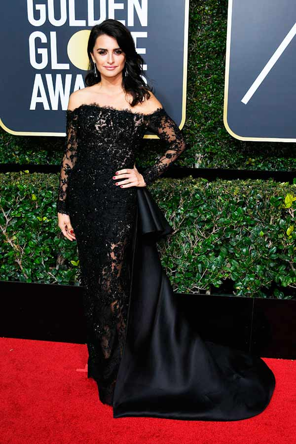 Penelope Cruz - Pétalas apresenta os tecidos que cruzaram do Globo de Ouro