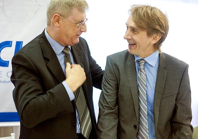 Posse Diretoria ACUST SL Oldemar Brahm e Leandro Hilbk - Oldemar Plantikow Brahm é empossado presidente da ACIST-SL