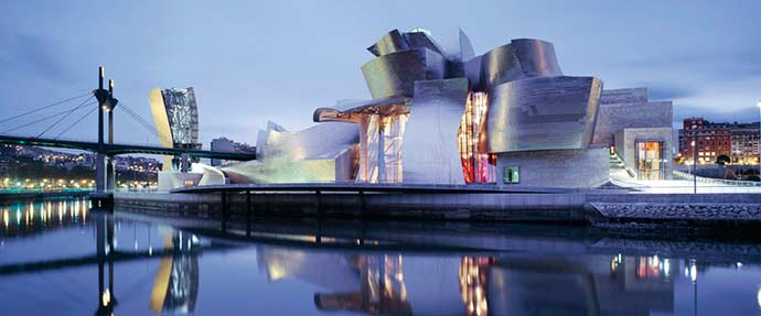 """bilbao exterior - O """"Efeito Bilbao"""" do Museu Guggenheim"""