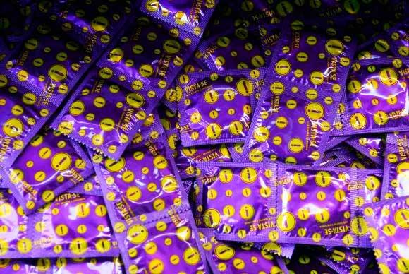 camisinha - Mais de 7 milhões de preservativos serão distribuídos no Carnaval do Rio