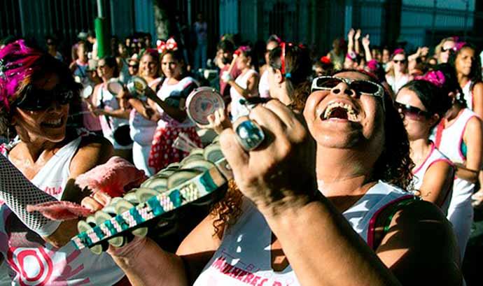 carnaval de rua - Aproveite o Carnaval gastando pouco