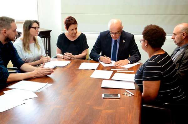 Photo of UFRGS terá concurso para 44 vagas