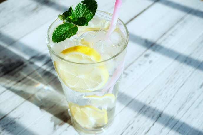 hidratação - Acelere o metabolismo para aliviar os exageros de final de ano