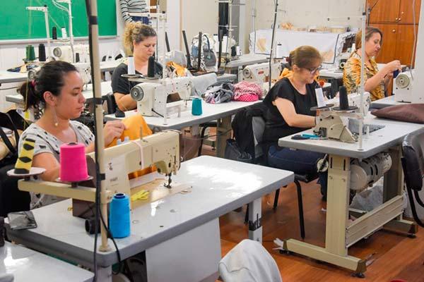 image 3 1 - Banco do Vestuário abre inscrições para curso de Corte e Costura