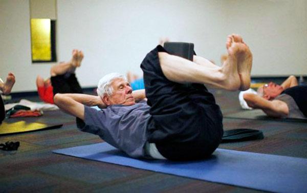 pilates terceira idade - Pilates no combate à sarcopenia na terceira idade