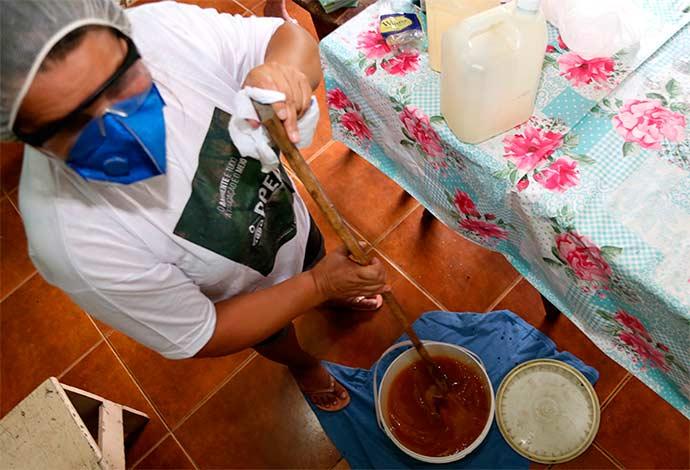 produção sabão esteio - Educação ambiental: produção de sabão é ensinado em Esteio