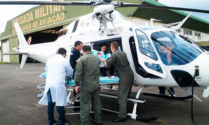 socorro aereo brigada militar - Batalhão de Aviação  da BM remove criança de Porto Alegre a Uruguaiana