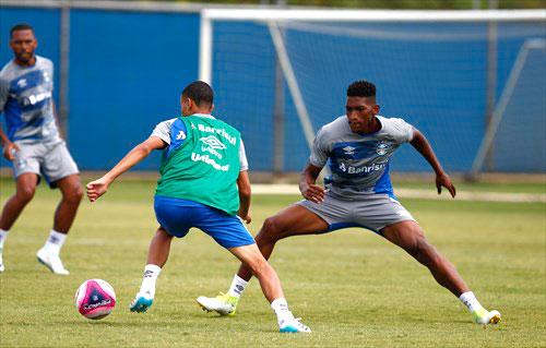 treino do Grêmio - GRÊMIO ENCERROU SEMANA COM TREINO FÍSICO