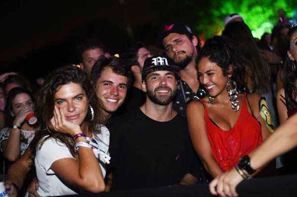 331205 766558 aa web  - Anitta faz aparição surpresa na festa Esbórnia, no Rio de Janeiro