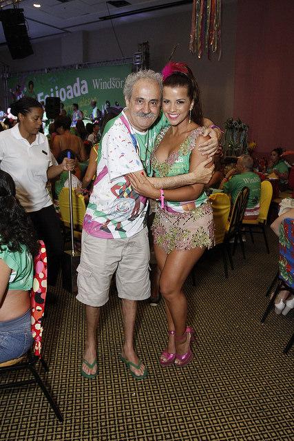 40173384002 1cc91aba83 z - Famosos prestigiam a Feijoada Carnavalesca do Windsor Barra
