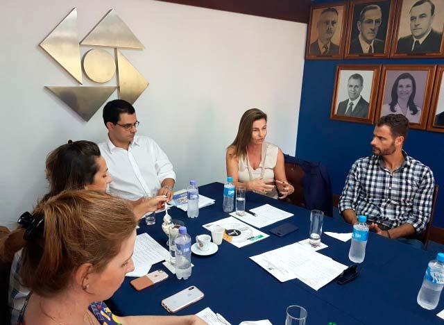 ACI NH Fevereiro - Comitê de Governança Corporativa da ACI recebe a consultora Beatriz Johannpeter
