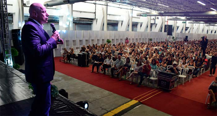Revista News Agencia_2 Seminário reúne mais de 2,7 mil profissionais da educação em Novo Hamburgo